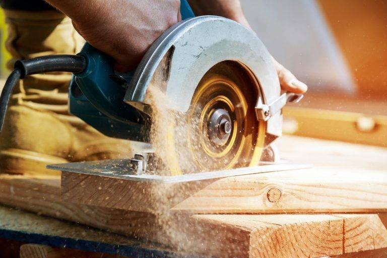 Pila, zpracování dřeva, dřevovýroba, prodej řeziva Pila-lesnictví Jan Sečkař, Velká nad Veličkou